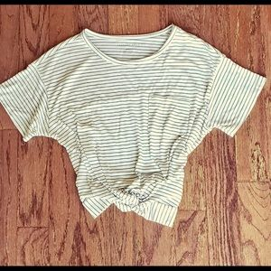 American Eagle black and white top Size S